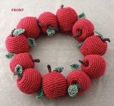 Lily® Sugar 'n Cream® Apple Wreath #crochet #pattern #teachergift  #backtoschool
