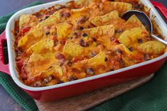 Mexicaanse ovenschotel - Francesca Kookt Mexican Food Recipes, Dinner Recipes, Ethnic Recipes, Quiche, Cauliflower, Macaroni And Cheese, Oven, Keto, Vegetarian