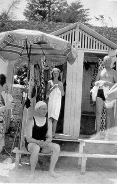 Dorothy Parker, Steven Benchley, Honoria Murphy and Gerald Murphy @ Villa America.