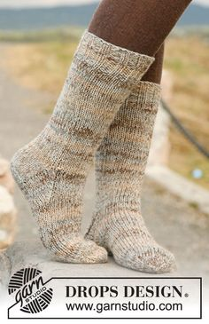 DROPS sokker i glatstrik med rib i 2 tråde Fabel