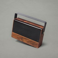 Furni Kendall Portable Speaker Built from a solid walnut casing - featuring magnetically shielded speakers and an auxiliary audio line in (for non-bluetooth connectivity) Radios, Diy Bluetooth Speaker, Bluetooth Speakers, Bluetooth Gadgets, Portable Speakers, Vintage Design, Retro Design, Poste Radio, Speaker Design