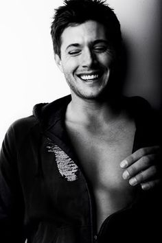 Get This Special Offer Black and White Sexy Dean Winchester Laughing with Bare Chest in Open Hoodie - Photograph / Photo - HQ - Supernatural Jensen Ackles Christian Bale, Christian Grey, Smallville, Portrait Male, Benecio Del Toro, Pretty People, Beautiful People, Beautiful Smile, George Clooney