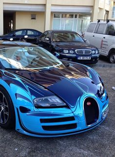 veyron saphire blue - are cars really this shiny?
