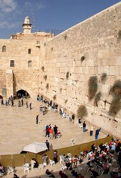Separation of men and women at the western wall in Jerusalem. How dumb is that? Those stones aren't even holy nor were they ever part of the temple. Birthplace Of Jesus, Terra Santa, Naher Osten, Paris In Spring, Visit Israel, Temple Mount, Templer, Western Wall, Jewish History
