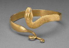 Pulsera de la serpiente, hecha en griego Egipto, 300-100 aC (fuente).