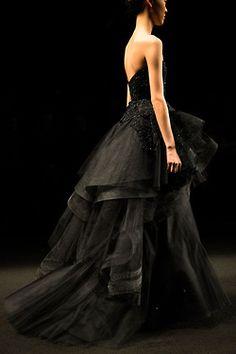 skaodi:  Monique LhuillierFall/Winter 2014. New York Fashion Week.