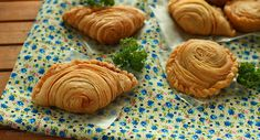 Natural Cooking Club | Curry Puff a.k.a. Pastel Singapura (step-by-step)