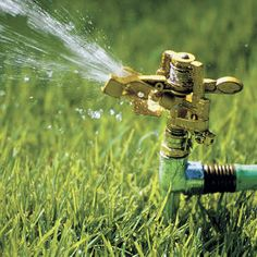 Pick the Best Sprinkler for the Yard;  Take these tips from the experts, and learn about what sprinkler is best for your yard