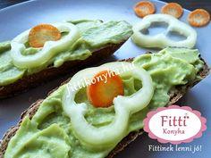Fitti Konyha: Fitti avokádókrém - Egyszerű és finom szendvicskrém Diabetic Recipes, Diet Recipes, Healthy Recipes, Healthy Sweets, Healthy Food, Avocado Toast, Pesto, Clean Eating, Food And Drink
