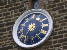 Famous one handed clock designed by Thomas Tompion for St. Mary's Church Thomas Tompion was a French Huguenot