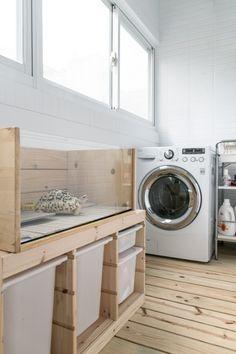 [ 舊屋翻新 ] 把空間留給單品的極簡風格! - 空間設計與裝潢 - 居家討論區 - Mobile01 Stacked Washer Dryer, Washer And Dryer, Washing Machine, Laundry, Home Appliances, House, Ideas, Laundry Room, House Appliances