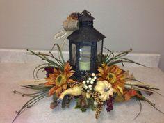 30 Inspiring DIY Fall Lantern Swag Decor to Interior Design - Page 31 of 31 Fall Lanterns, Christmas Lanterns, Lanterns Decor, Thanksgiving Decorations, Christmas Decorations, Lantern Crafts, Diy Fleur, Fall Table Centerpieces, Fall Arrangements