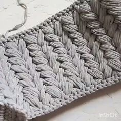 Ravelry Jasmine Stitch No 4 6 Petals Wit - Diy Crafts - maallure Diy Crochet Bag, Crochet Bag Tutorials, Diy Crafts Crochet, Crochet Videos, Crochet Basics, Crochet Stitches, Learn Crochet, Crochet Clutch, Crochet Projects