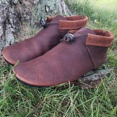 Minimalist Shoes - My Minimalist Living Moccasins Mens, Leather Moccasins, Beaded Moccasins, Leather Socks, Raul Mendoza, Cowhide Leather, Brown Leather, Leather Bag Pattern, Earth Shoes