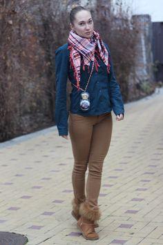 Shop this look on Lookastic:  http://lookastic.com/women/looks/orange-scarf-navy-dress-shirt-brown-skinny-jeans-brown-uggs/7113  — Orange Plaid Scarf  — Navy Dress Shirt  — Brown Skinny Jeans  — Brown Uggs