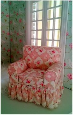 mini upholstered chair - can be translated - click for tutorial