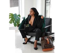 Photography: Minimalist High End Profile Photography, New Work, Female Models, High Fashion, Minimalist, Behance, Photoshoot, Gallery, Check