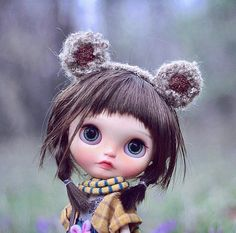 I have waiting for you for a long time. Let's go out for a play #handmade #手作り #blythe #blythedoll #blythecustom #customblythe #darkhair #bigeyes #dollphotography #toyphotography #ブライス #lovely #wool #felt