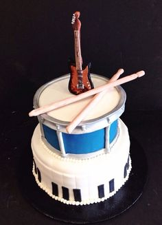 Birthday cake for a musician #music