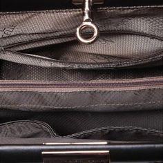 Klasyczna kobieca torebka ze skóry w kolorze czarnym