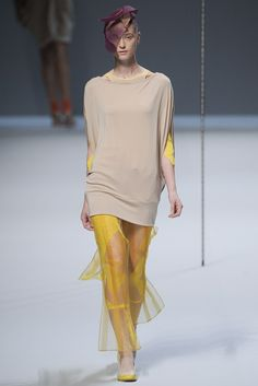 Issey Miyake Spring 2012 Ready-to-Wear Fashion Show
