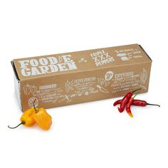 A great gift for gardeners and spicy food lovers alike, this comprehensive kit lets you cultivate three varieties of peppers.