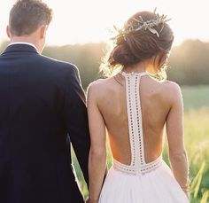 Open back dress // wedding dress //Heidi Elnora dress Wedding Wishes, Wedding Bells, Perfect Wedding, Dream Wedding, Chic Wedding, Bridal Gowns, Wedding Gowns, Wedding Styles, Wedding Photos