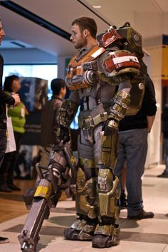 So, if you are going to a cosplay and it is your first time to attend one, how do you figure out what costume you are going to wear? First of all, you need to find out what kind of cosplay it is going to be. Is it going to be a purely anime or … Halo Cosplay, Cosplay Armor, Best Cosplay, Couples Cosplay, Cosplay Outfits, Cosplay Costumes, Eva Foam Armor, Master Chief, Halo Armor
