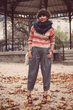 Fall look crop pullover carrot pants