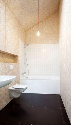 OSB Fabian Evers Architecture and Wezel Architektur: Haus Unimog - Thisispaper Magazine Plywood Interior, Plywood Walls, Plywood Furniture, Furniture Design, Chipboard Interior, Furniture Ideas, Modern Furniture, Bad Inspiration, Bathroom Inspiration