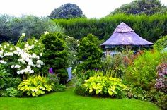 Grey Gardens restored by Sally Quinn and Benjamin C. Edie Bouvier Beale, Edie Beale, Grey Gardens House, Lily Pond, Episcopal Church, East Hampton, How To Get Money, Hedges, Garden Inspiration