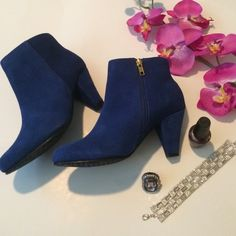 2X HP blue booties Very soft blue booties. The zipper runs down the side. The handle to it is gold but the zipper matches the bootie. There are no flaws. Perfect for a night out.                                                             '.                                                                                  OPEN TO ALL OFFERS Shoes Ankle Boots & Booties