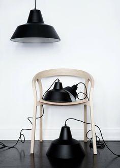 Simpele Ikealamp zwart gespoten