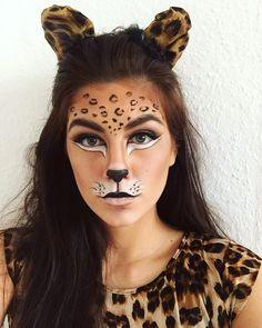 leopard makeup carneval fasching costume - - Makeup Looks Yellow Cheetah Halloween Costume, Chat Halloween, Leopard Costume, Cat Halloween Makeup, Halloween 2019, Tiger Costume, Animal Halloween Costumes, Cheetah Makeup, Deer Makeup
