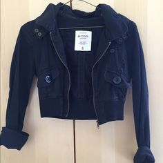 Cropped Zip Up Jacket In pre loved condition. Forever 21 Jackets & Coats