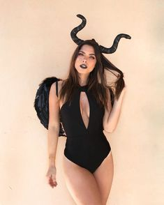 Carnival Costumes: 40 Ideas and Tutorials for Falling in Confidence Style - bitcoin - Carnaval Dark Angel Halloween Costume, Mode Halloween, Carnival Costumes, Halloween Costumes For Girls, Girl Costumes, Sexy Disney Costumes, Easy Halloween, Maleficent Costume, Demon Costume