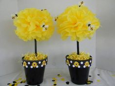 fancy bumble bee decoration bumble bee tissue pom pom pots are part of the bumble bee collection description from bumble bee birthday cake decorations Mommy To Bee, Baby Shower Gender Reveal, Baby Shower Themes, Shower Ideas, Bumble Bee Decorations, Cake Decorations, Bumble Bee Birthday, Festa Party, Reveal Parties