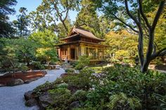 Do you dream of finding a zen retreat where you can hide away or meditate? Here we will show you how to create your very own zen Japanese garden getaway.