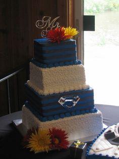 Superman cake Superman Wedding, Comic Book Wedding, Superman Cakes, Wedding Decorations, Wedding Ideas, Wedding Bells, Vows, Wedding Cakes, Dream Wedding