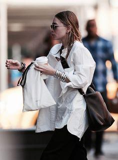 Fashion Gone rouge Mary Kate Ashley, Mary Kate Olsen, Rupaul, Boho Outfits, Summer Outfits, Olsen Fashion, Olsen Twins Style, Olsen Sister, Fashion Gone Rouge