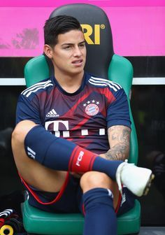 James Rodriguez Photos - James Rodriguez of Muenchen is seen on the bench during the Telekom Cup 2017 match between Bayern Muenchen and 1899 Hoffenheim at on July 2017 in Moenchengladbach, Germany. - Bayern Muenchen v 1899 Hoffenheim - Telekom Cup 2017 Soccer Guys, Football Boys, Football Players, James Rodriguez Colombia, Fc Hollywood, James Rodrigez, Cr7 Junior, Fc Bayern Munich, Association Football