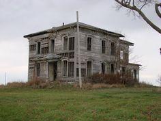 Little mansion by TheSkyRainsBlood.deviantart.com on @DeviantArt