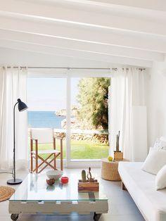 Casa vacaciones Menorca: Zona de estar con ventana