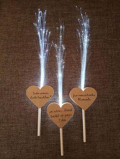 Leuchtwedel als Alternative zu Knicklichtern oder Wunderkerzen - DIY Hochzeit