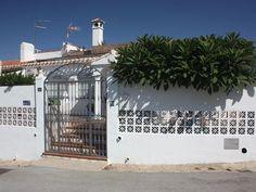 Wunderschön renovierte Villa mit herrlichem Blick und privatem Pool Diner Menu, Andalusia, Parking Lot, Seating Areas, Mansions, Remodels