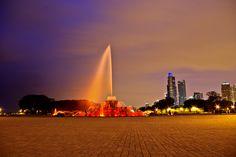 bf-22 Buckingham Fountain, Cn Tower, Opera House, Building, Travel, Viajes, Buildings, Destinations, Traveling