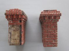 Last week the Den Mother of THE CAMP (the irrepressible miniatures chat group found at THECAMP@Yahoogroups.com) asked if I'd ever written about our bricks. While giving her the short answer, I reme…