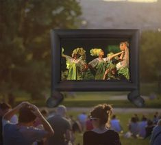 An entertaining large crowd is growing rapidly in today's world, particularly in sports, movies or live broadcasts where no one wants to miss a single Outdoor Projector Screens, Projection Screen, Movies To Watch, Good Movies, Free Popcorn, Outdoor Movie Screen, Giant Inflatable, Large Crowd, Outdoor Entertaining