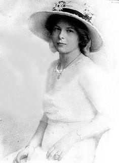 Юрьевская, Ольга Александровна (1873—1925) — дочь Александра II. В 1895 году вышла замуж за графа Георга фон Меренберг (1871—1948).