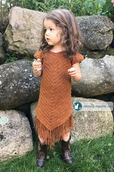 Free pattern for an easy crochet toddler dress. Even if you are a beginner crocheter, you can make this dress for the little girls in your life. The beautiful suede look is achieved with Lion Brand Jeans yarn in top stitch. Crochet Toddler Sweater, Crochet Socks, Crochet Girls, Crochet For Kids, Crochet Clothes, Knit Crochet, Crochet Dress Girl, Crochet Dresses, Crochet Tree